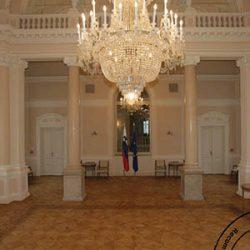 Predsedniki hodijo po parketu, oljenim z WOCA oljem