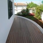 lesena terasa, zunanja ureditev hiše